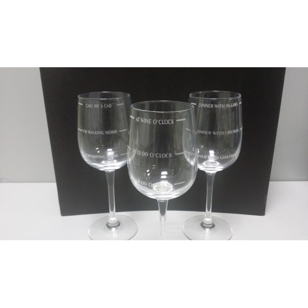 Set of three laser engraved wine glasses - Lines